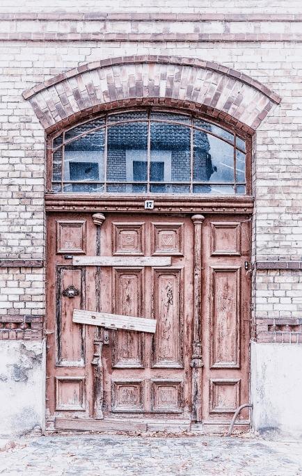 door-510454_1280
